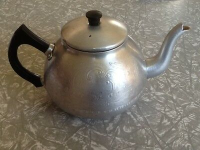 Swan brand 8 cup teapot 'The Carlton' Made in England