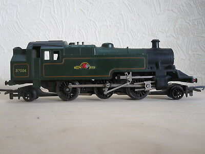 OO gauge. Triang Standard Class 3 2-6-2 tank engine in green livery.