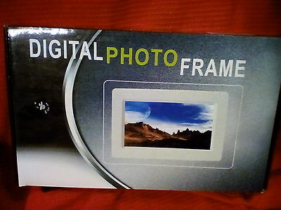 "7"" Digital Picture Frame with Remote"