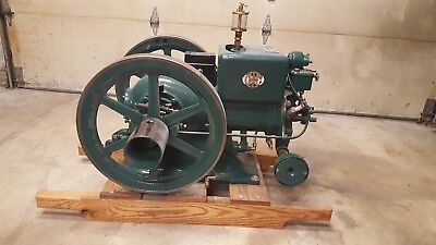 McCormick Deering model M Hit And Miss Engine 1 1/2 Hp throttle governed engine