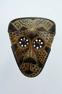 Kuba Pwoom Itok Mask, estate purchase