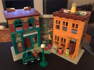 Vintage 70's Fisher Price Little People Play Family SESAME STREET #938