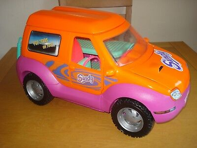Vintage Sindy Pop Stars on Tour Large 4x4 Camper,OPENS UP,26 ins,ex condition.