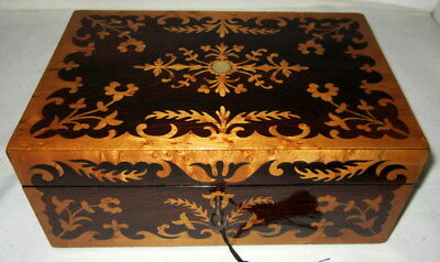 STUNNING ANTIQUE ROSEWOOD & BIRDS EYE MAPLE MARQUETRY BOX with key