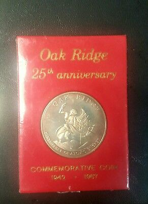 The City Of Oak Ridge 1942-1967 25Th Anniversary Coin Birth Of Atomic Energy Red