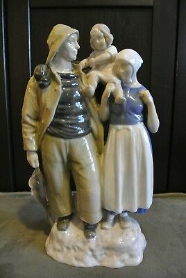 Vintage Bing and Grondahl (B&G) Figurine 2025 'Fisher Family' by Axel Locher
