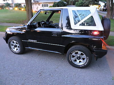 1994 Suzuki Sidekick  uzuki Sidekick 1994 4WD Convertible, Manual Transmission