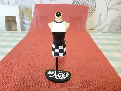 1960s Fashion - Black and White Check Dress - All the rage / The latest thing
