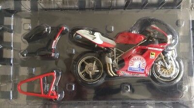 Minichamps 1/12th Scale Carl Fogarty 1995 World Champion