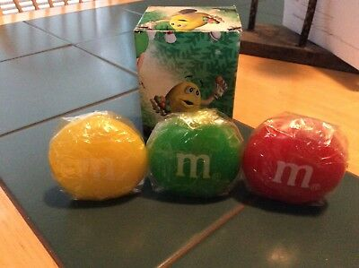 m&m set of 3 candles in original box new yellow green red