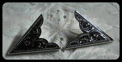 Silver Toned Western Style Engraved Collar Tips Set