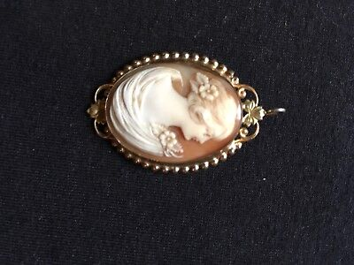 Necklace Scrimshaw pin - Not sure on date