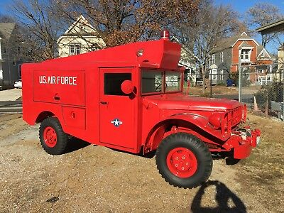 Military Dodge Power Wagon 1953/56 M56 R2 Fire Truck