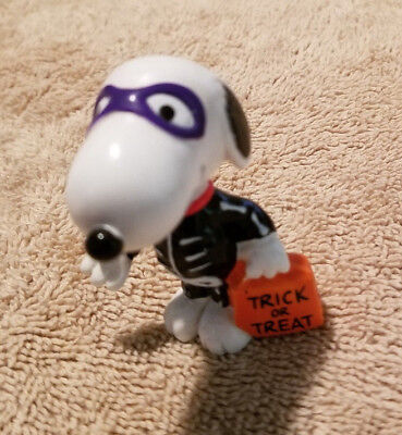 Whitman's Snoopy Halloween Skeleton Figure