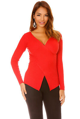 Pull rouge en maille cache-coeur. 5527
