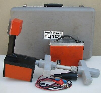 Metrotech 810 Pipe Cable Underground Utility Locator Transmitter and Receiver