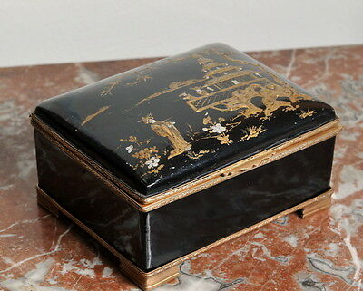 Antique 18th century French Hand Painted Porcelain Jewelry Box