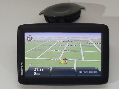 TomTom Via 225 GPS, Free Lifetime Maps, Small Crack in Screen, Works Well