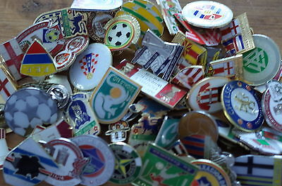 50 x    Football   badges collection    joblot