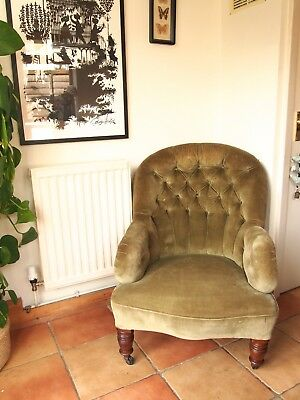 Antique Vintage Victorian Button Back Armchair in Green Velvet