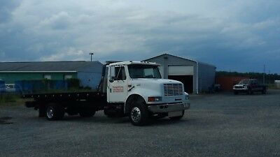 1998 International 4700 Flat Bed Tow Truck *CLEAN*
