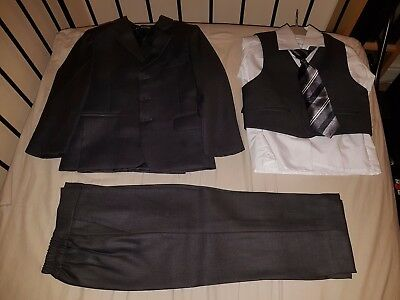 Boys age 3-4 Toddlers Suit Jacket Waistcoat Trousers Shirt Tie Set Grey 4pc 3pc