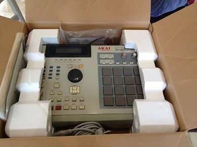 Akai MPC 2000 XL excellent shape