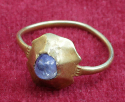 Stunning Medieval Sapphire Cabochon Gold Ring - Circa 14Th/15Th Century Ad