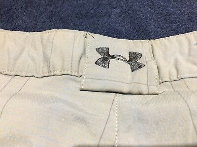 Mens Under Armour Golf Shorts FLAT Size 38 Taupe Plaids Polyester