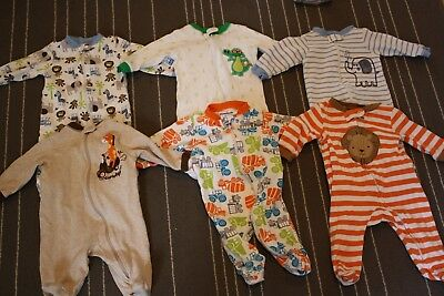 Lot of  0-3 month baby boy body suits EUC 6 pieces