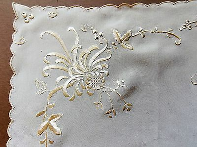 Vintage 1930s Hand Embroidered Cream Silk Women's 29cm Square Handkerchief