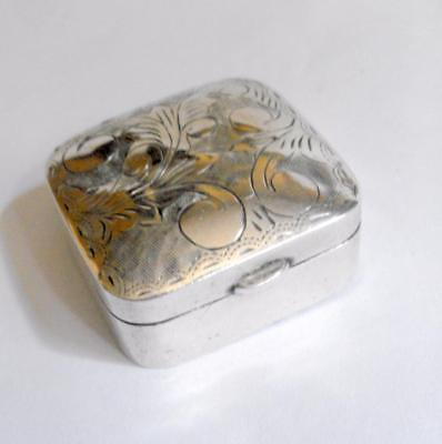 Small continental Sterling silver ring box or pill box AF 11462
