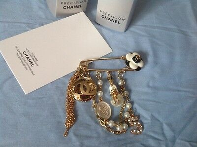 New//Auth Rare Beautiful Chanel Vip gift white Camellia N5 perfume brooch pin!!!