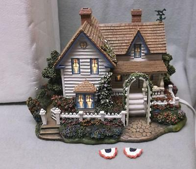 "Kinkade ""Home is Where the Heart Is"", Hometown Spring Coll'n, lighted, orig. Box"
