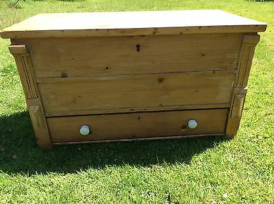 Old Pine Mule Chest