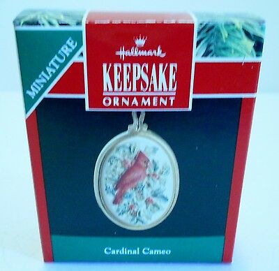 "1991 Hallmark Miniature Ornament ""Cardinal Cameo"" NEW"