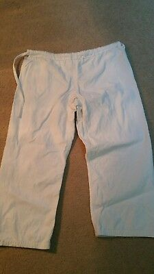 CHILD'S CHILD TIGER CLAW'S TC2000 WHITE MARTIAL ARTS KARATE GI PANTS size2.
