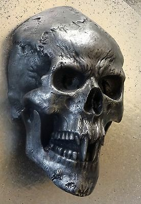 VAMPIRE SKULL – square mount...........exclusive Wall Mount