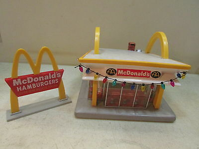 1997 McMEMORIES MCDONALD'S LOOK FOR THE GOLDEN ARCHES COMPLETE IN ORIGINAL BOX
