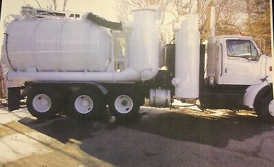 Vacuum Truck Ford / Guzzler 1997 Completely Refurbished