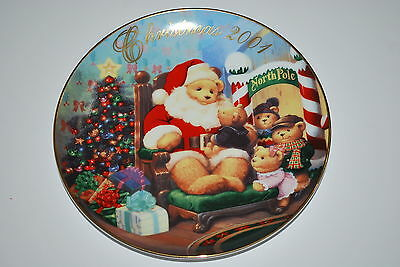 "2001 Avon "" A Visit From Santa "" Porcelain trimmed in 22K Gold Decorative Plate"