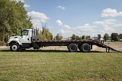 2006 International 7400 T/A Flatbed Truck