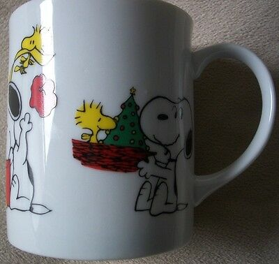 1958 , 1965 Peanuts Characters - Snoopy & Woodstock Christmas coffee cup / mug