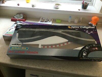 Scalextric Sport Digital Track  new sealed box Pit Lane Track C7015 (right hand)