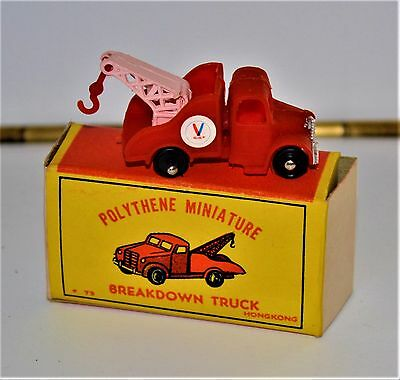 VTG 1960s Polythene Miniature Breakdown Truck Wrecker Valvoline Red MIB NOS