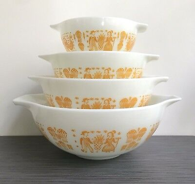 Pyrex Orange Butterprint Cinderella Mixing Bowl Set