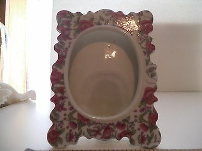 """Vintage White Ceramic Picture Frame Red/pink Roses Oval Face Hold 3"""" Picture"""