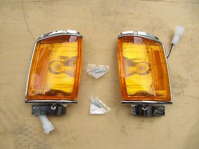 Chrome Corner Lamp Indicator Signal Light FOR Toyota Hilux 1984-88 PAIR