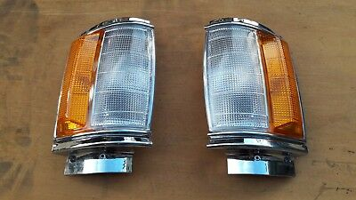 Chrome Corner Lamp Indicator Signal Light FOR Toyota Hilux 1984-88 2WD PAIR
