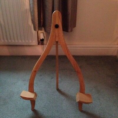 Stagg Wooden Guitar Stand